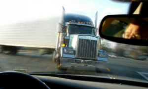 Contact our Tampa Truck Accident Lawyers after crashes caused by unsafe wide turns